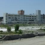 南三陸町防災センターから見た病院 ニュースでは屋上近くまで津波がきていた